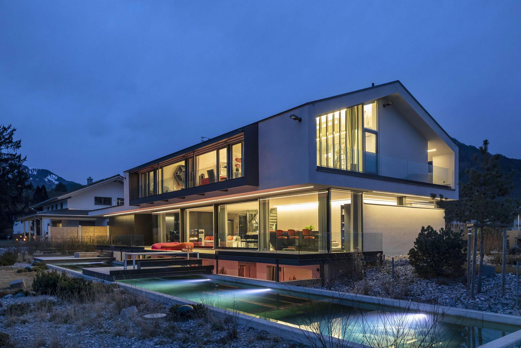 Shine a light - the Brückner private residence
