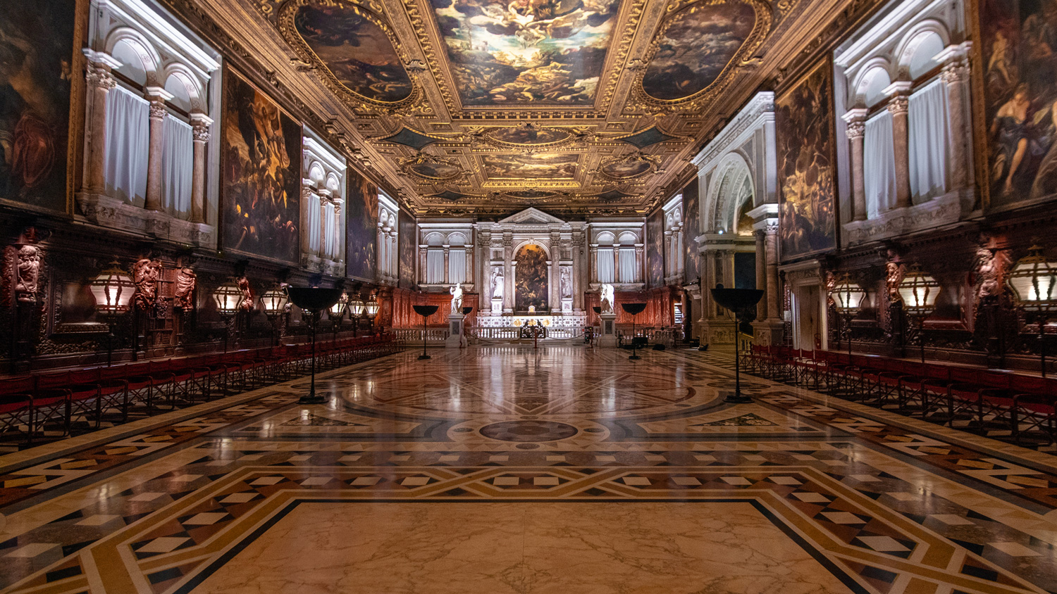 A new lighting system for Tintoretto's masterpieces